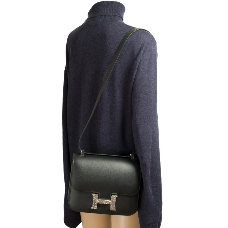 RARE Hermes Constance 24 shoulder bag in black Madame calf and Clasp in Lizard For Sale 9