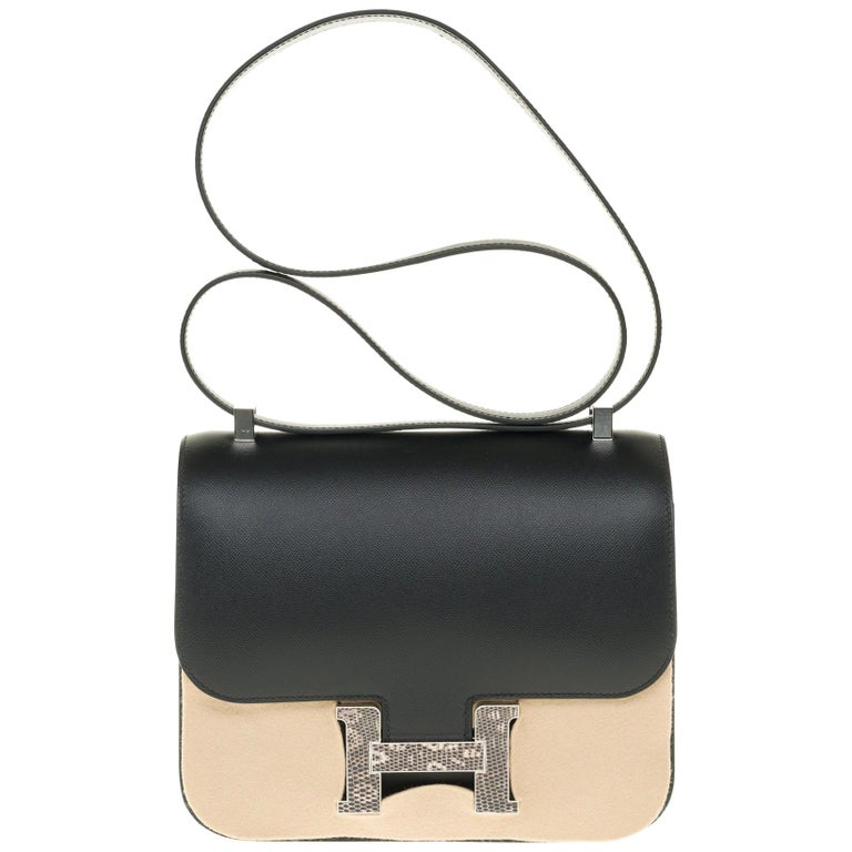RARE Hermes Constance 24 shoulder bag in black Madame calf and Clasp in Lizard For Sale