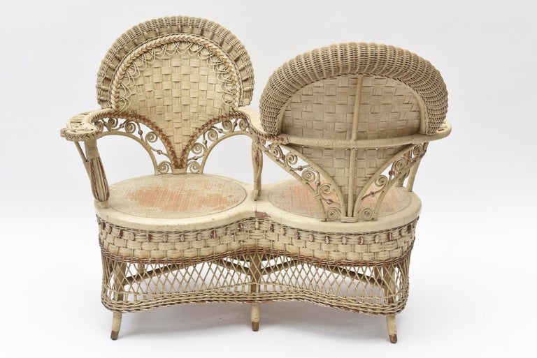 19th Century Rare Heywood Brothers and Wakefield Victorian Wicker Conversation Gossip Chair For Sale