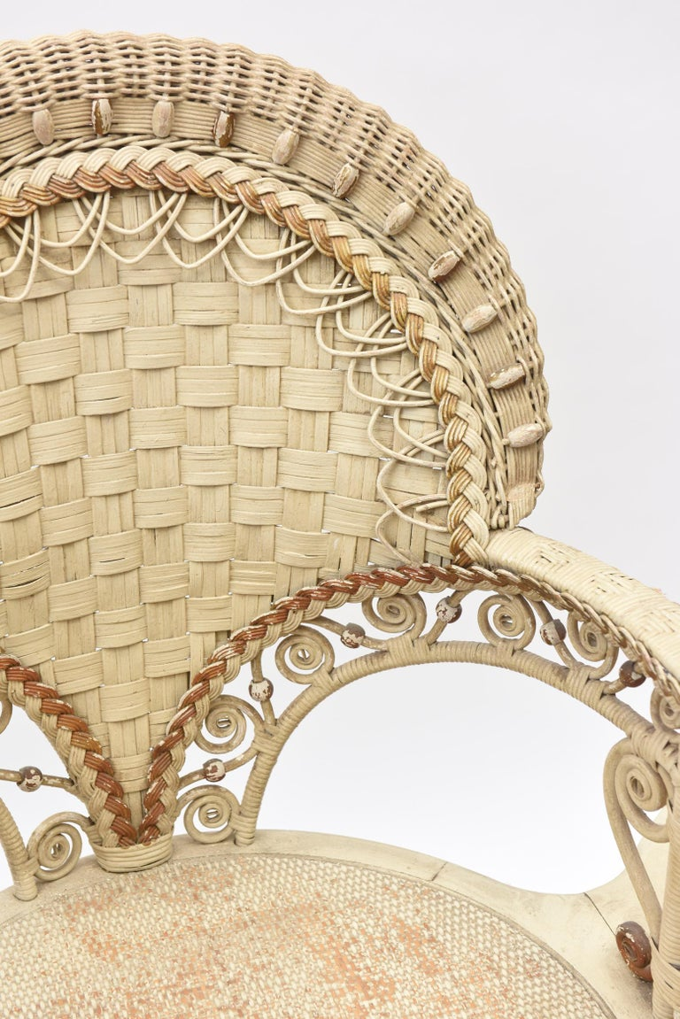Rare Heywood Brothers and Wakefield Victorian Wicker Conversation Gossip Chair For Sale 1