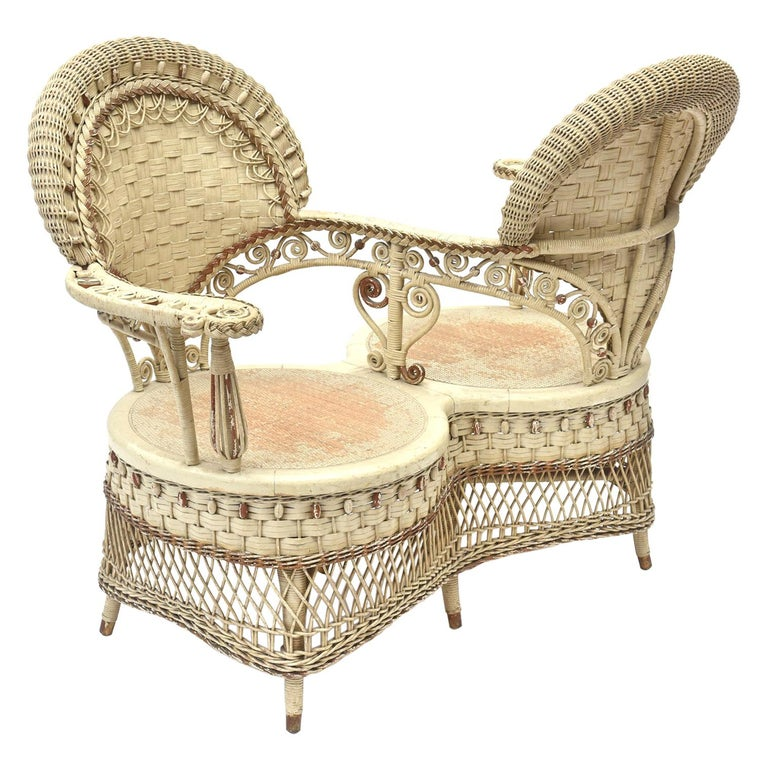 Rare Heywood Brothers and Wakefield Victorian Wicker Conversation Gossip Chair For Sale