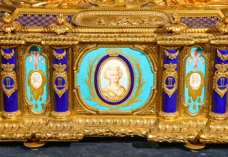 Rare Important French Ormolu Sevres Style Porcelain Jewelry Box on Bronze Table For Sale 6
