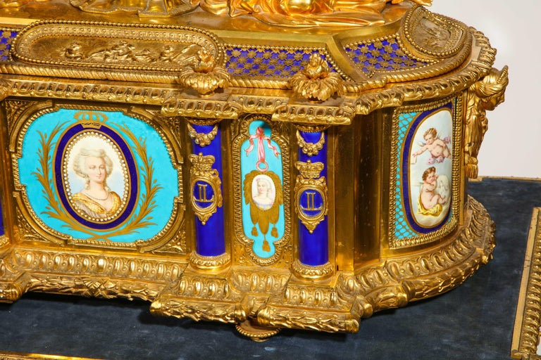 Rare Important French Ormolu Sevres Style Porcelain Jewelry Box on Bronze Table For Sale 11
