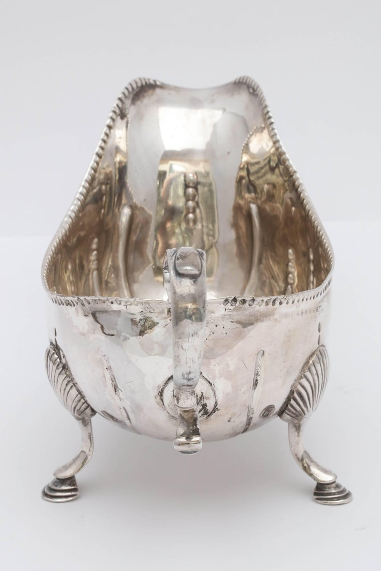 Rare Irish Georgian 'George III - 1771' Sterling Silver Footed Sauce/Gravy Boat For Sale 1