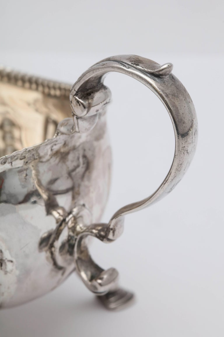 Rare Irish Georgian 'George III - 1771' Sterling Silver Footed Sauce/Gravy Boat For Sale 4