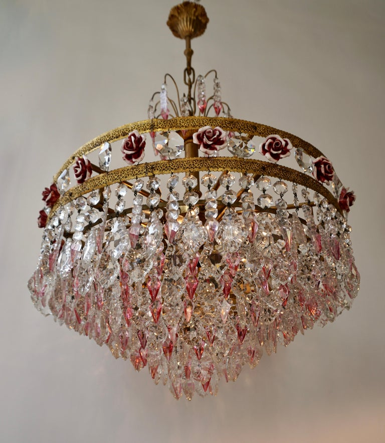 Rare Italian Chandelier with Pink Crystals and Pink Roses For Sale 1