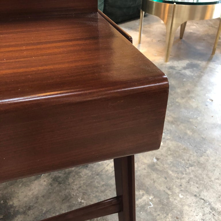 Rare Italian Executive Desk with Floating Glass Top by Vittorio Dassi, 1950s For Sale 8