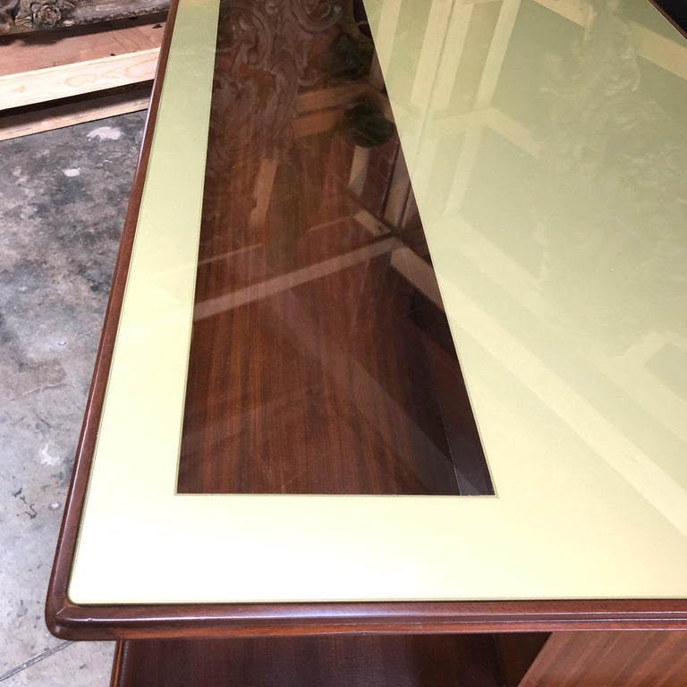 Rare Italian Executive Desk with Floating Glass Top by Vittorio Dassi, 1950s In Excellent Condition For Sale In Los Angeles, CA