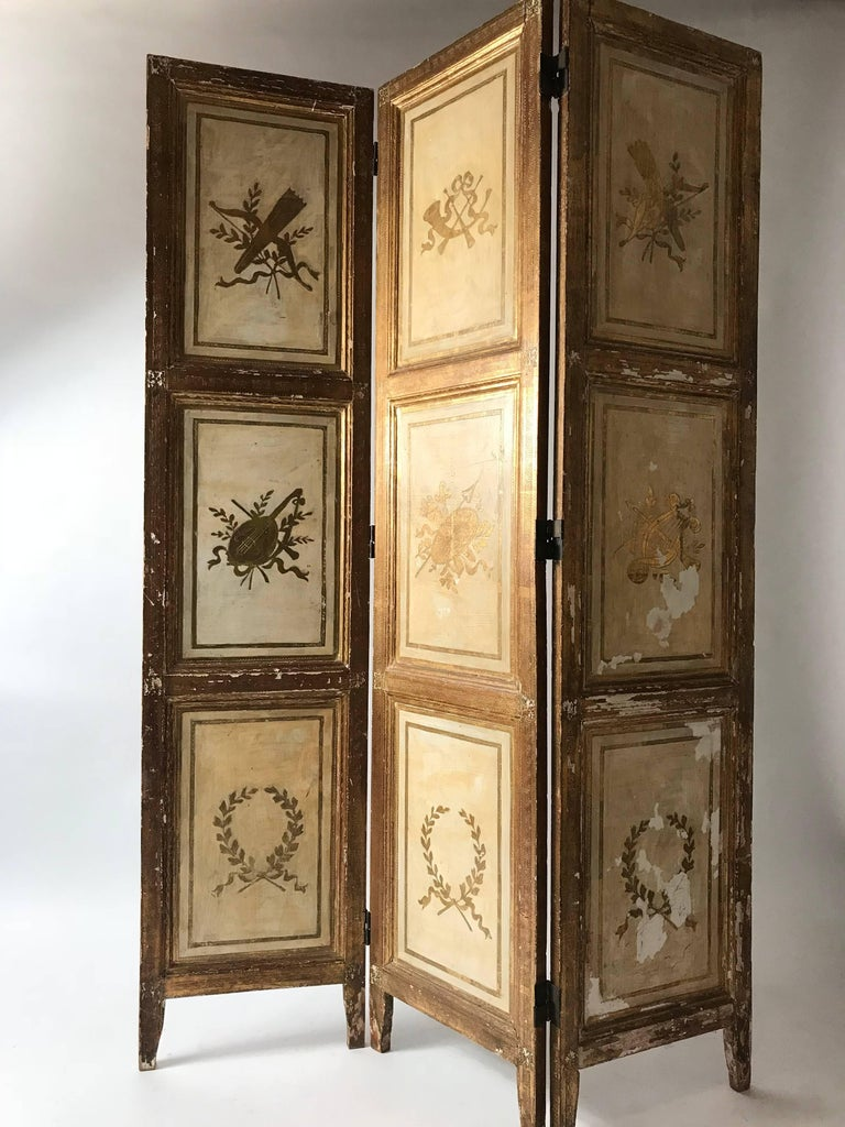 Rare Italian Gilt Florentine Folding Screen or Room Divider In Good Condition For Sale In Brooklyn, NY