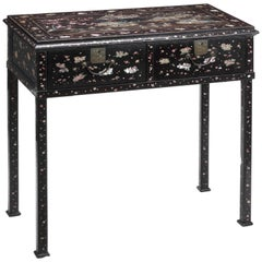 Rare Japanese Lacquer Federal Chippendale/Hepplewhite Side-Table circa 1799-1803