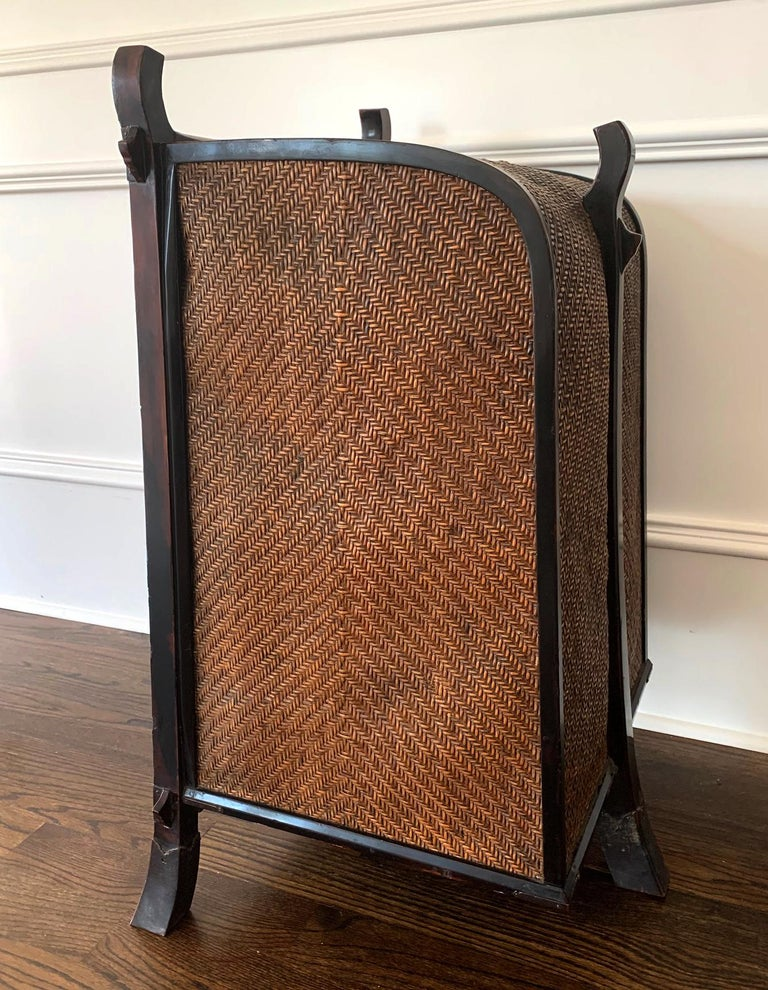 Rare Japanese Traveling Cabinet Oi Edo Period In Good Condition For Sale In Atlanta, GA