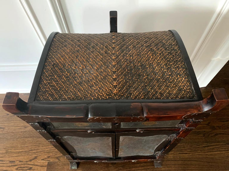 Silk Rare Japanese Traveling Cabinet Oi Edo Period For Sale