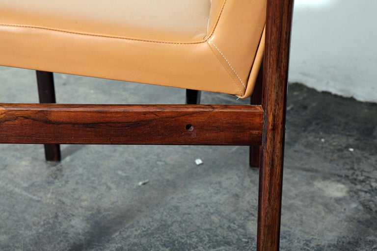 Rare Jorge Zalszupin rosewood framed dining chair, newly upholstered in a sofa brown leather with fully exposed rosewood backs, Brazilian, 1960s.