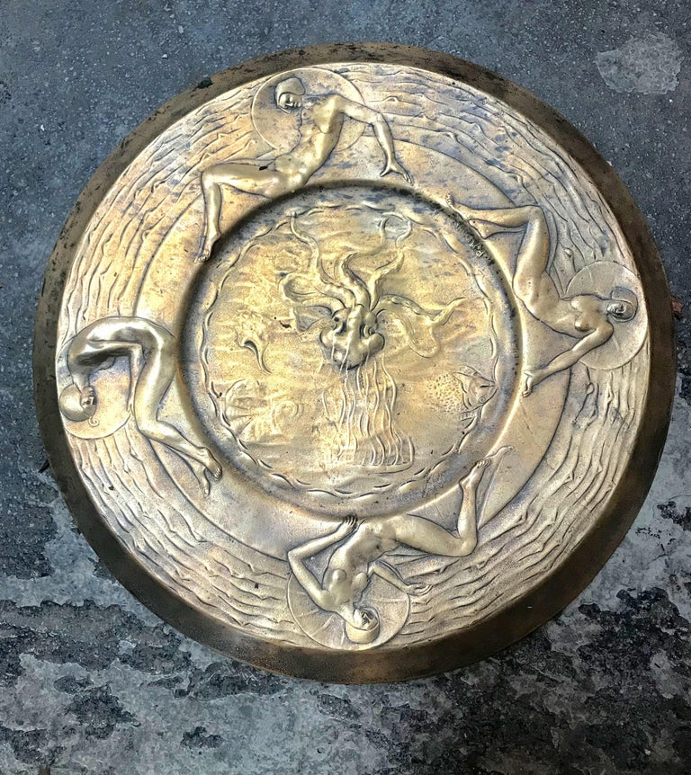 Rare Italian Art Deco handcrafted Medallion signed R.Menon, 1930s