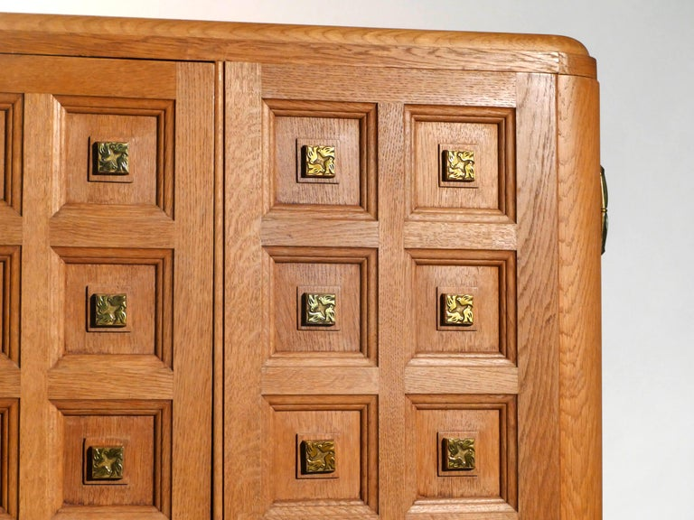 Rare Large Mirrored French Art Deco Wardrobe in Solid Oak and Brass, 1940s For Sale 6