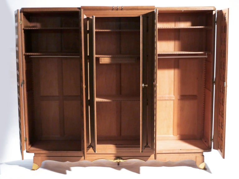 Rare Large Mirrored French Art Deco Wardrobe in Solid Oak and Brass, 1940s For Sale 1