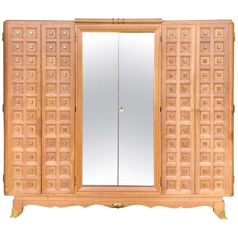 Rare Large Mirrored French Art Deco Wardrobe in Solid Oak and Brass, 1940s For Sale