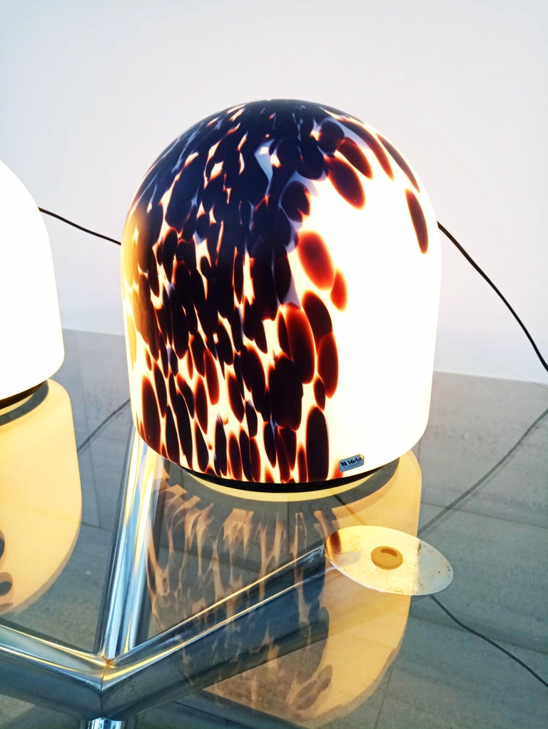 Beautiful and very rare large pair of VeArt Murano table lamps, manufactured in Italy in 1970s. In perfect vintage condition.