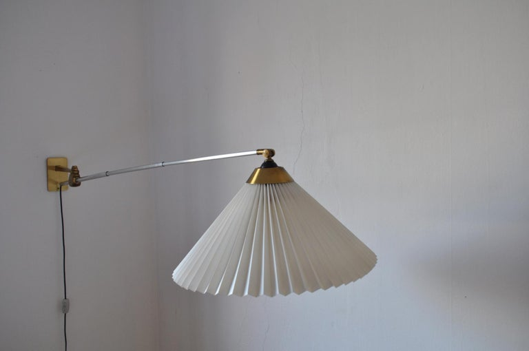 Rare Le Klint Wall Lamp Designed by Hvidt & Mølgaard in 1963 In Good Condition For Sale In Vordingborg, DK
