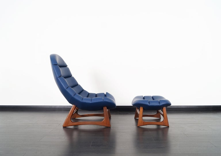 Mid-Century Modern Rare Leather Lounge Chair and Ottoman by Adrian Pearsall For Sale