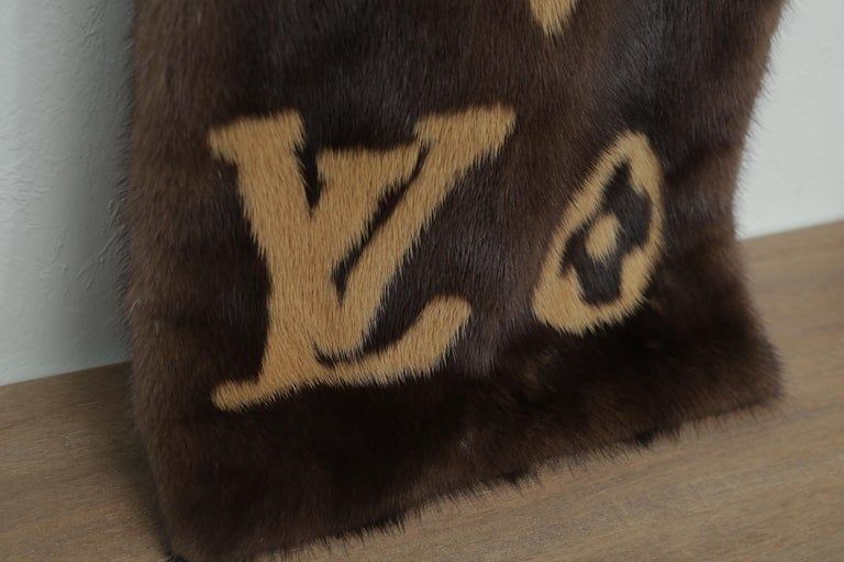 Rare Louis Vuitton Limited Edition Monogram Mink Scarf In Excellent Condition For Sale In West palm beach, FL