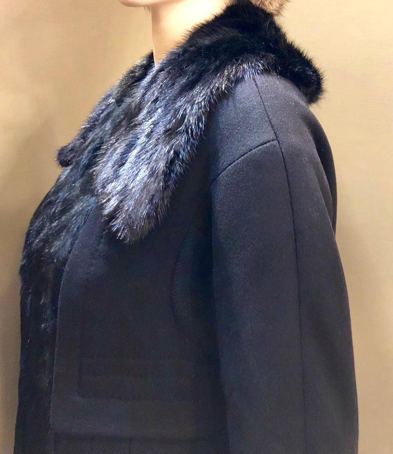 Louis Vuitton Paris Mink Collar Ladies Black Wool Coat Size 38 US Size 6 For Sale 5
