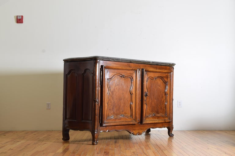 Rare Louis XIV/XV Period Carved Walnut Buffet, Marrone Fossilized Marble Top In Good Condition For Sale In Atlanta, GA