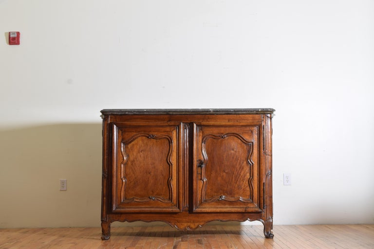 Rare Louis XIV/XV Period Carved Walnut Buffet, Marrone Fossilized Marble Top For Sale 1