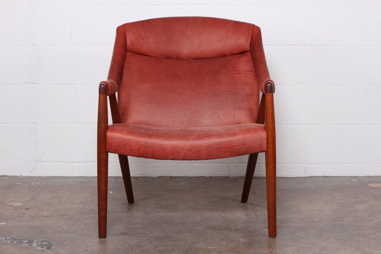 Rare Lounge Chair by Ib Kofod-Larsen In Excellent Condition For Sale In Dallas, TX