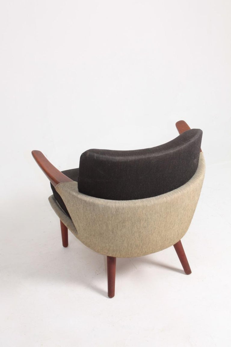 Mid-20th Century Rare Lounge Chair in Original Fabric and Teak by Ib Kofod Larsen, 1950s For Sale