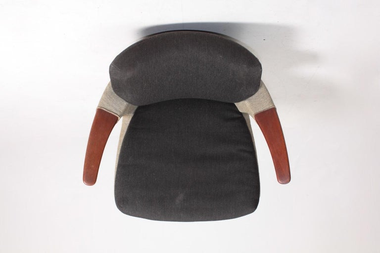 Rare Lounge Chair in Original Fabric and Teak by Ib Kofod Larsen, 1950s For Sale 1
