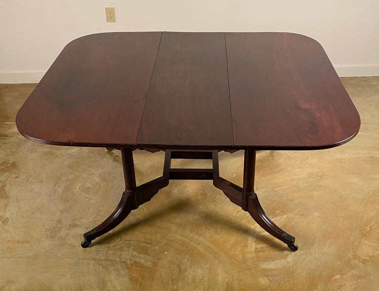 Rare Mahogany Cumberland Action Dining Table Possibly Duncan Phyfe Workshop In Good Condition For Sale In Sheffield, MA
