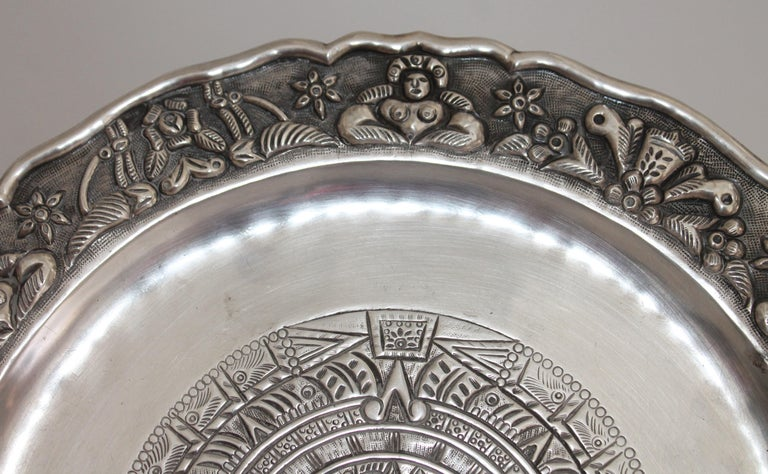 A rare find, Mexican Indian design Mayan sterling plate. Made in Mexico. Beautiful intricate design of the Mayan calendar. Great weight for the sterling silver plate. Maciel based in Mexico manufactured high quality silver hollow ware and a limited