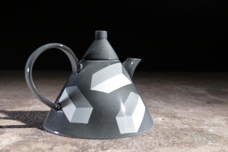 Late 20th Century Rare Memphis Porcelain Rolf Sinnemark Rörstrand 'Atlantis' series Teapot 1984 For Sale