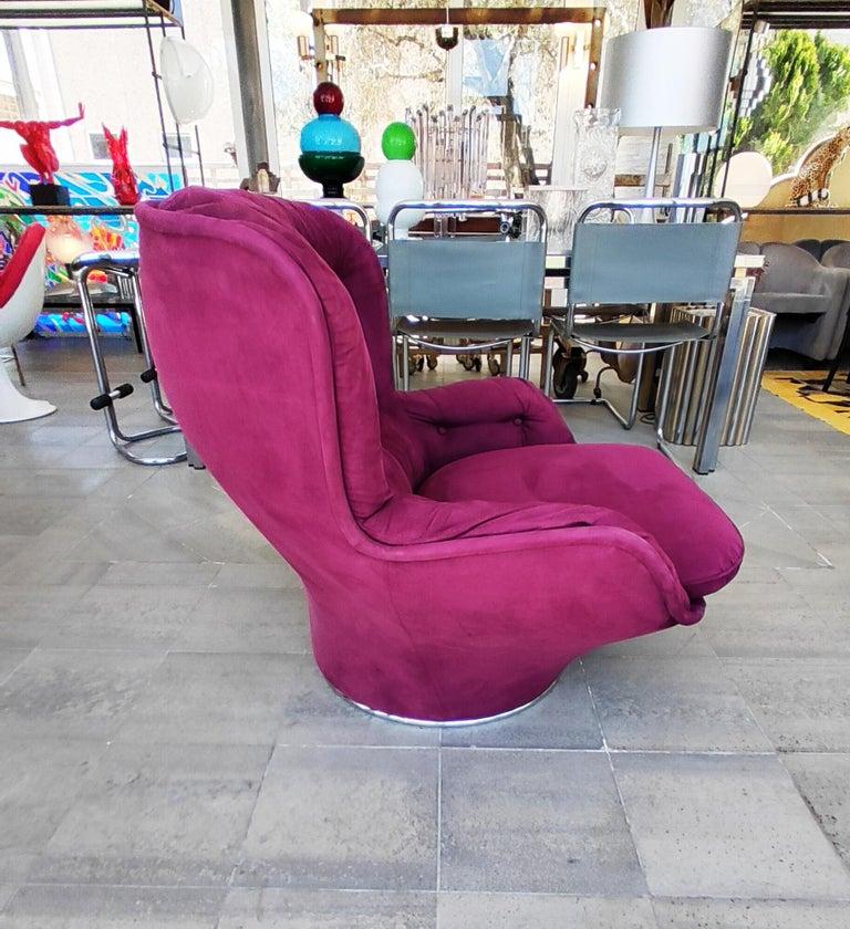 Beautiful and rare Michel Cadestin karaté swivel armchair in a very nice