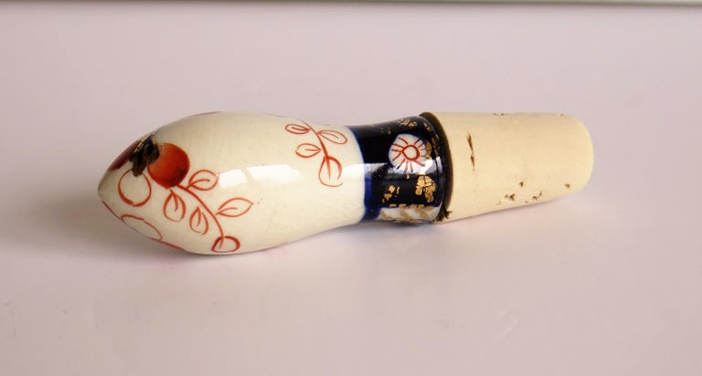 Country Rare Mid-19th Century Gaudy Welsh Pottery Bottle Stopper and Corks, circa 1840 For Sale