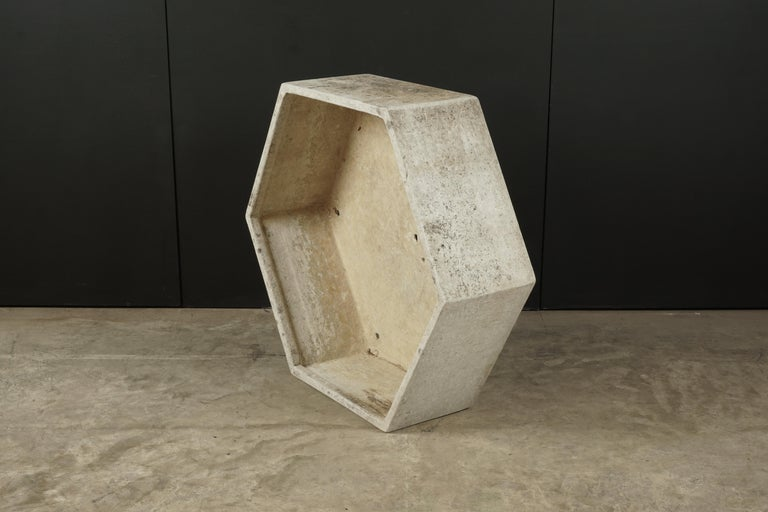 Rare midcentury concrete planter by Willy Guhl, Switzerland, circa 1950. Fantastic model in an octagonal shape.