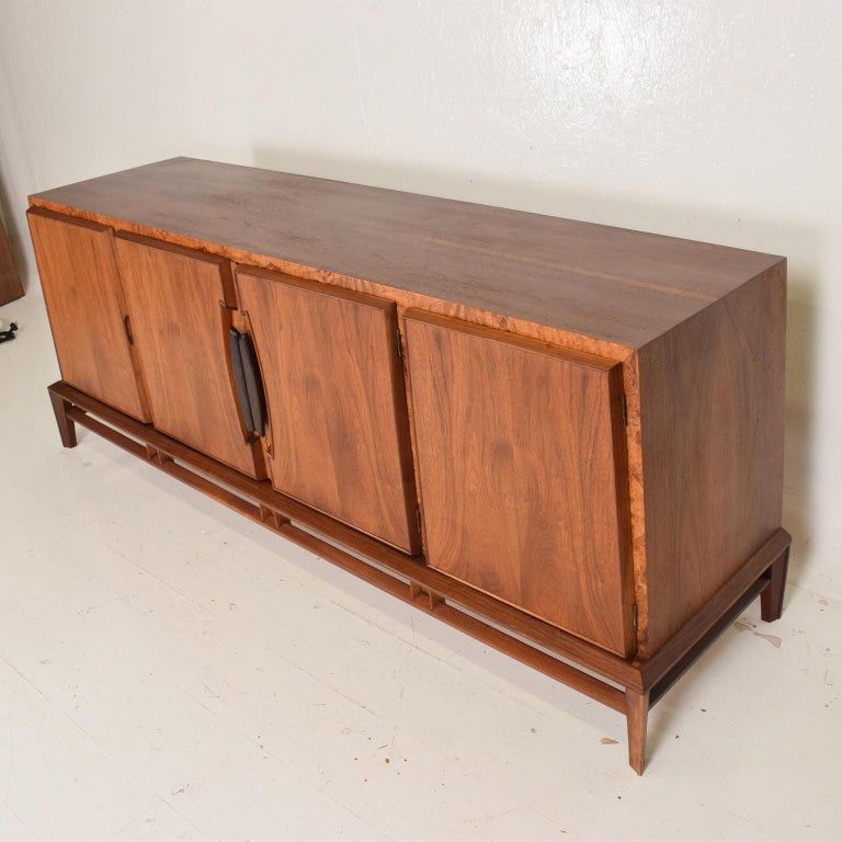 Rare Mid-Century Modern Dresser by Helen Hobey for Baker Walnut, Burl & Rosewood In Good Condition For Sale In National City, CA