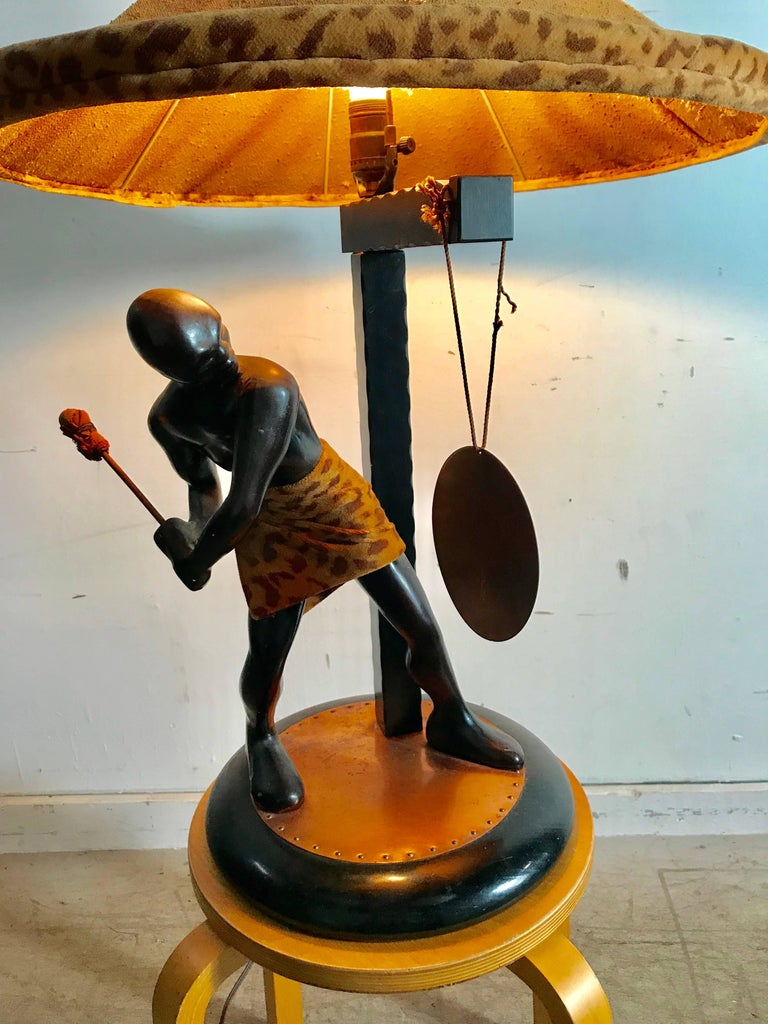 Rare Mid-Century Modern Table Lamp, Nubian Man Hitting Gong, Moss Lamp Co In Good Condition For Sale In Buffalo, NY