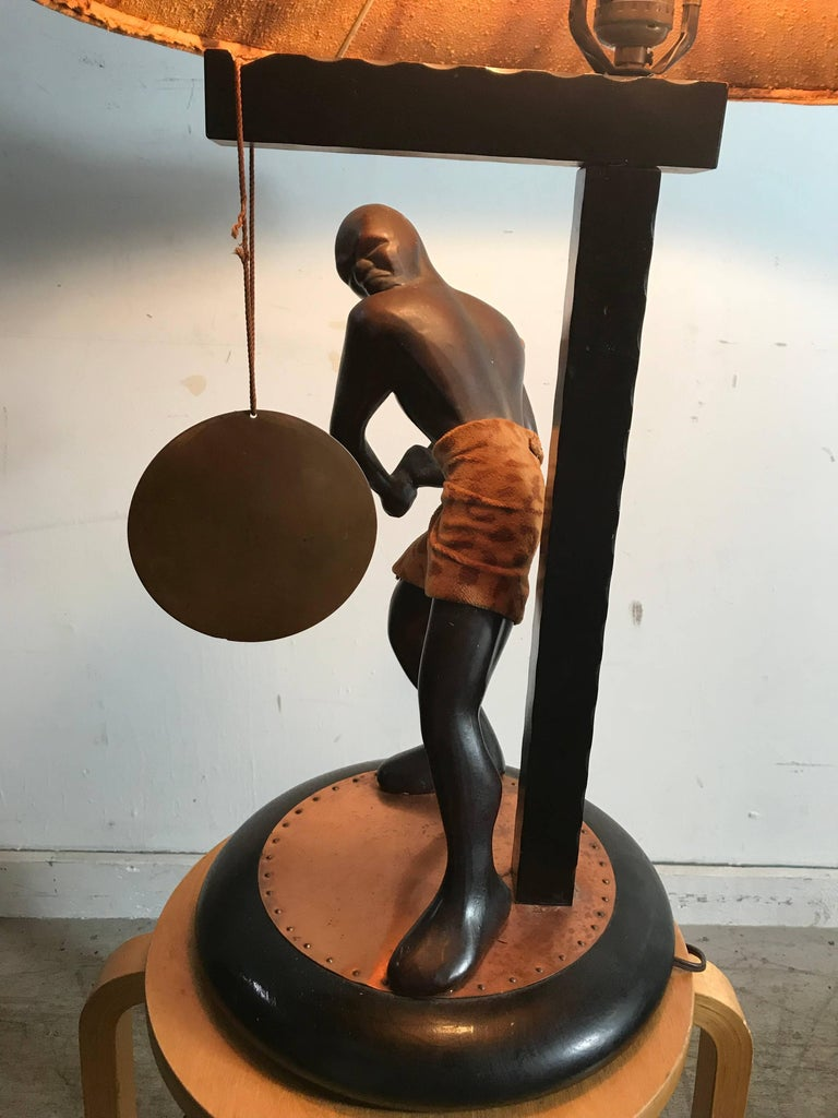 Rare Mid-Century Modern Table Lamp, Nubian Man Hitting Gong, Moss Lamp Co For Sale 2