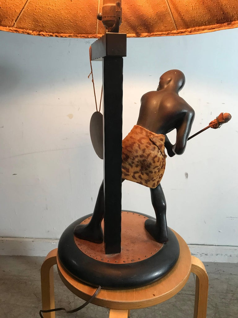 Rare Mid-Century Modern Table Lamp, Nubian Man Hitting Gong, Moss Lamp Co For Sale 3