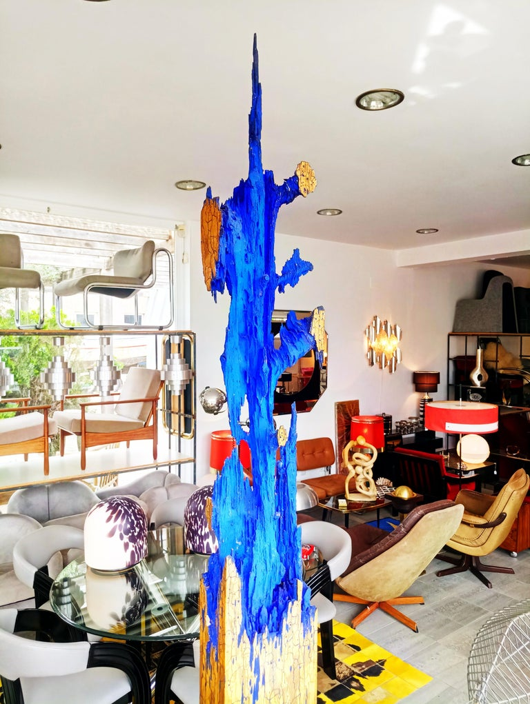 Rare Midcentury Monumental Abstract Wooden and Gold Sculpture In Good Condition For Sale In L'Escala, ES
