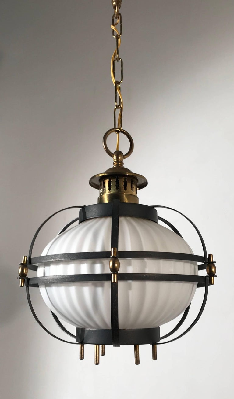 Rare Midcentury Modern Brass, Metal Cage & Glass Shade Design Pendant Light  In Good Condition For Sale In Lisse, NL
