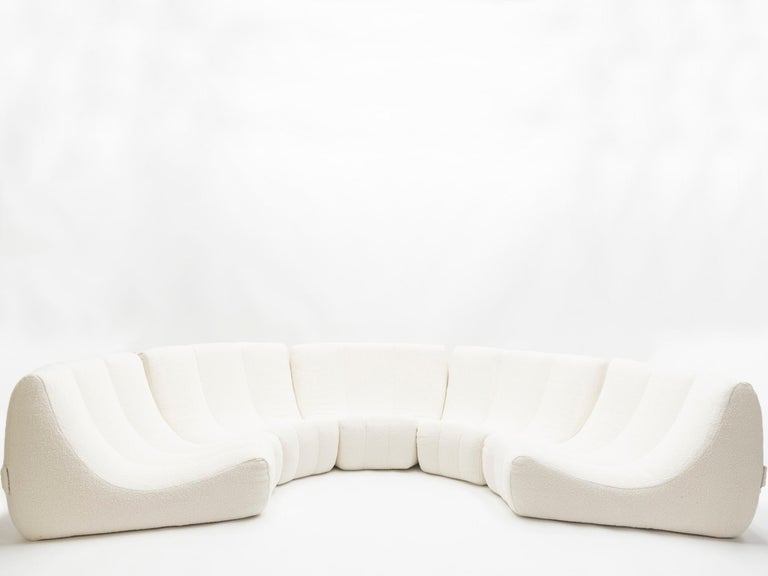 Very rare and unique extra large Gilda circle sofa by Michel Ducaroy made by Ligne Roset in 1972. The sofa consists of five elements connected with metal buckles to hold them in place, forming a little bit more than half a circle. The five elements