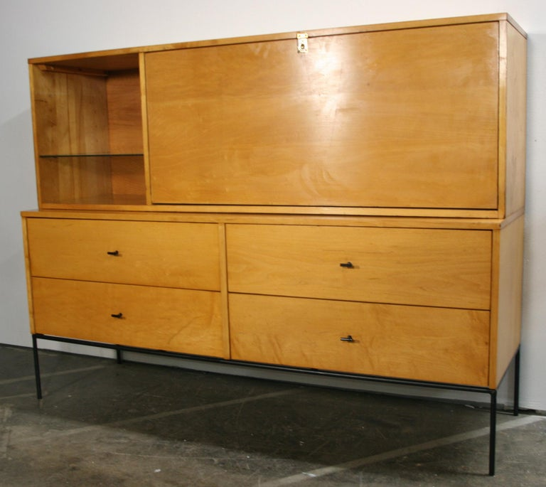 Rare Midcentury Paul McCobb #1562 Drop Lid Desk W/Organizer Maple T Pulls In Good Condition For Sale In BROOKLYN, NY
