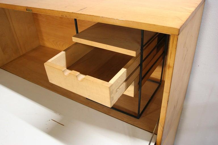 20th Century Rare Midcentury Paul McCobb #1562 Drop Lid Desk W/Organizer Maple T Pulls For Sale