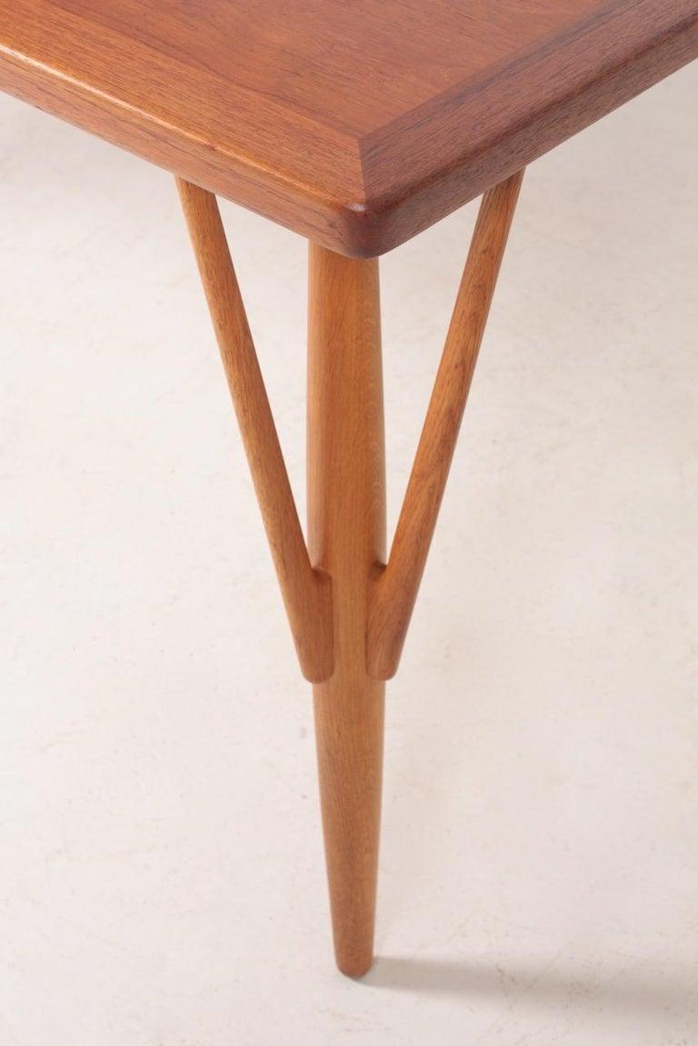 Rare Midcentury Work Table in Teak and Oak by Hans Wegner, 1950s In Good Condition In Lejre, DK