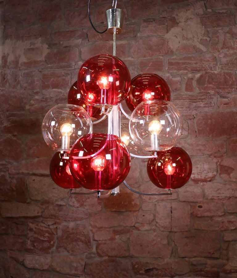 1960 Italy Sputnik Chandelier Cranberry Murano Glass Globes & Silver-Plated In Good Condition For Sale In Niederdorfelden, Hessen