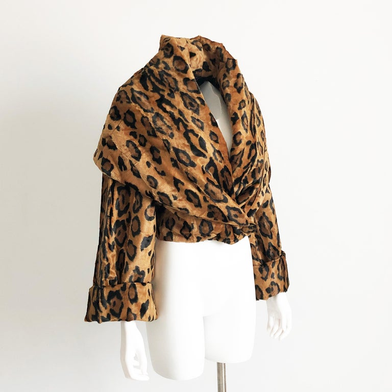 Brown Rare Norma Kamali Cropped Leopard Jacket with Shawl Collar M Vintage  For Sale