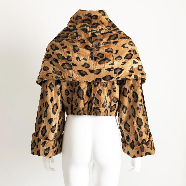Women's Rare Norma Kamali Cropped Leopard Jacket with Shawl Collar M Vintage  For Sale